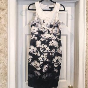 White House / Black Market size 8 flowered dress